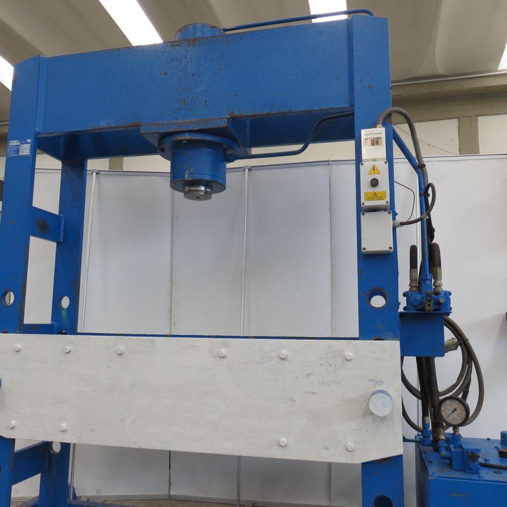 Macchine utensili nuove ed usate pressa idraulica usata for Presse idrauliche usate per officina